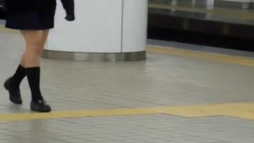 为什么日本女生冬天也爱穿超短裙,难道她们真不怕冷吗?