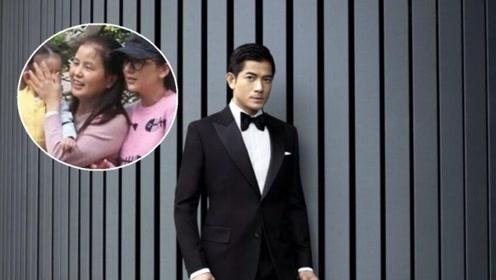 郭富城比丈母娘还大4岁,两人照片曝光,站在一起相貌悬殊太大