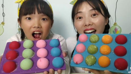 """小姐姐吃创意""""巧克力球球"""",形似多彩乒乓,果味丝滑嘎嘣脆"""