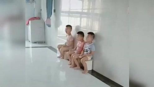 这就是养三个儿子的后果,家徒四壁,连个沙发都没有