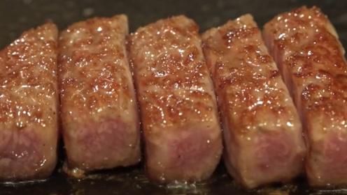 """日本牛肉中的""""劳斯莱斯"""",一斤高达上万元,切开后才知道贵的原因!"""