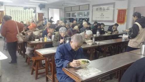 有爱!长沙一餐厅提供免费素食午餐:最多接纳三百人