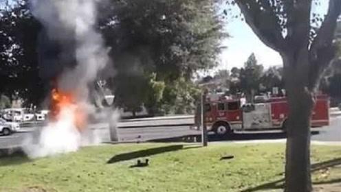 """31岁妈妈""""裸驾""""撞车起火后赤身逃跑,不顾6岁女儿被困车内死亡"""