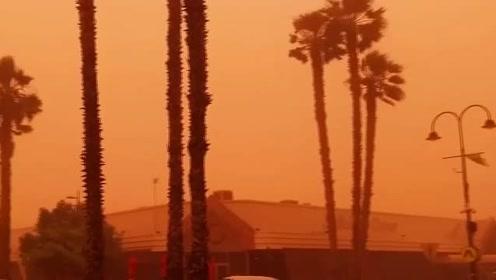 """澳大利亚沙尘来袭 仿佛被蒙橙色""""滤镜"""""""