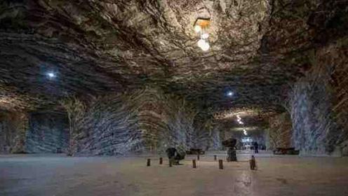 世界上最神秘的小镇,藏于地下120米的洞穴,居住人口超3000人
