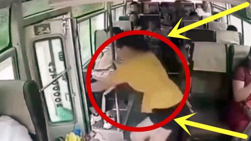 女子突然跳下行驶中公交车,要不是监控,谁会相信这一切!