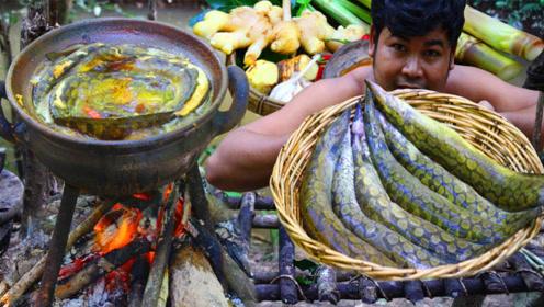 农村最美味的刀鳅鱼,看看小伙是怎么煮的,看完感觉太糟蹋这鱼了