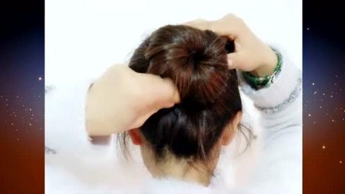教你一款超简单的扎发发型,减龄时尚又不失清爽舒适气质,赶快来看看吧