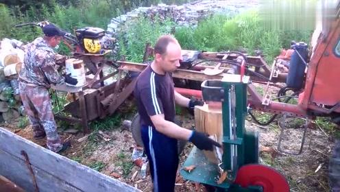老外发明的劈木机真厉害,木头放在下面秒碎,不用啥技巧和人力
