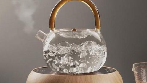 如果把开水放一整夜,水分子会发生什么变化?看完不敢再喝隔夜水!