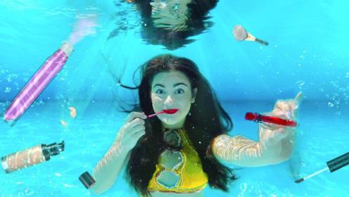 """美女表演""""水下功夫"""",在泳池内化妆抹脸,出水一刻简直仙女下凡!"""