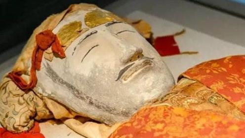 新疆古墓出土汉代美男,1000多年尸身不腐,身份神秘令人考究