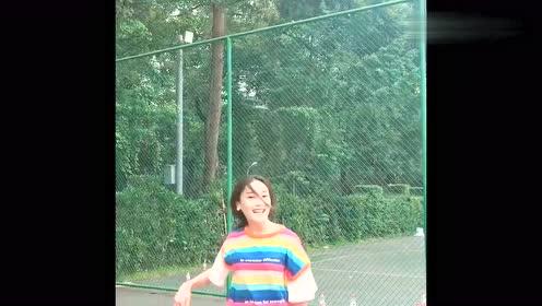 小姐姐教你打篮球,一招晃晕防守人,人美技术还好!