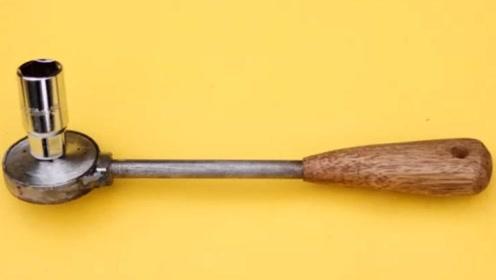 修理工发明的新型扳手,拧螺丝速度特别快,太实用了
