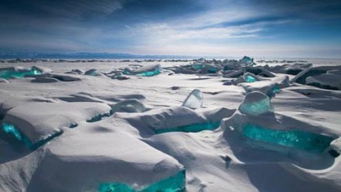 """青藏高原冰川融化,露出""""死亡湖泊"""",湖内隐藏骸骨已达500具"""