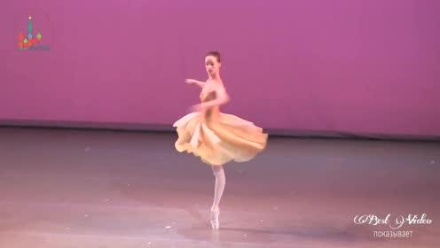 脚尖要多疼!芭蕾舞女星的表演,转得我头晕