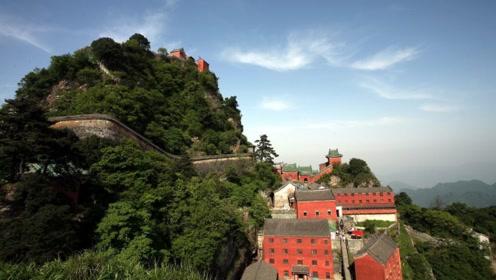 """中国最""""吸金""""景区,每年收入等于10座黄山,游客:刚进门就想走"""