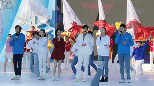 佟丽娅蔡徐坤合体献唱《冬梦飞翔》,助力推广冬奥会场面壮观