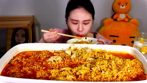 动手吃美食:吃美味泡菜拉面