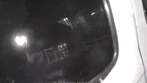 """佛山:2岁女童误喷""""驱鼠剂""""入口  民警上演生死时速"""