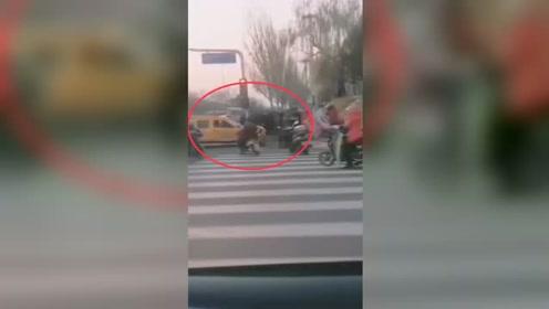 2死7伤!北京一男子盗开工程救险车疯狂冲撞行人及车辆