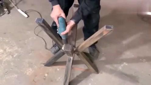 实拍木匠加工木圆桌流程,恕我直言,这技术真是太牛了,佩服!