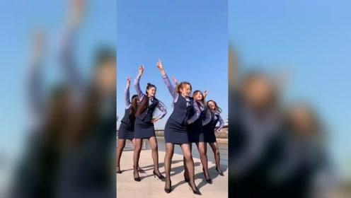 这五姐妹跳广场舞都跳瘦了,看身材就知道了