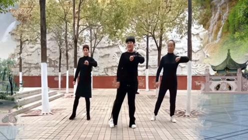 节奏动感超减脂瘦身的健身舞曲《电台摇DJ》跟着节奏扭起来!