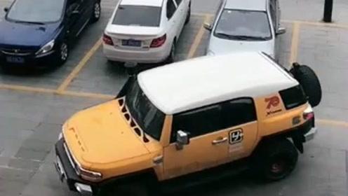 原谅我才疏学浅,这辆车怎么还配有烟囱啊,难道现在排气都装在上面了?