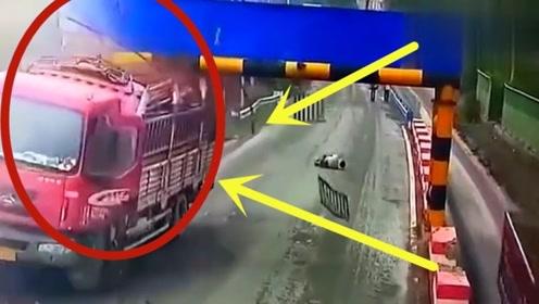 大车司机不踩刹车,撞上瞬间纵身一跃,驾驶室当场报废!