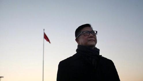 邓炳强在天安门广场观看升旗仪式:感受到国家强大