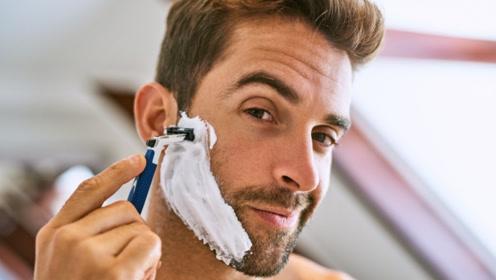 男性2个时间段最好不要刮胡子,对身体不好