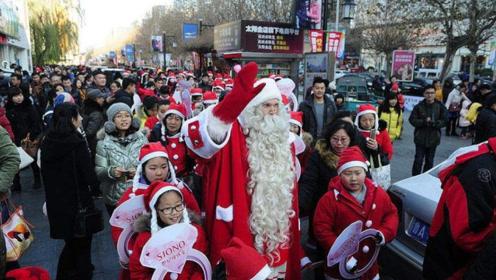 """年年都""""抵制""""圣诞节,学校都禁止活动,外国传统当真如此不堪?"""