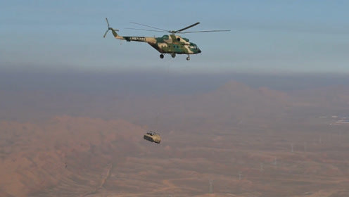 直8G领衔出场,直升机吊运山猫车练快速突击,武直大杀四方爆点十足