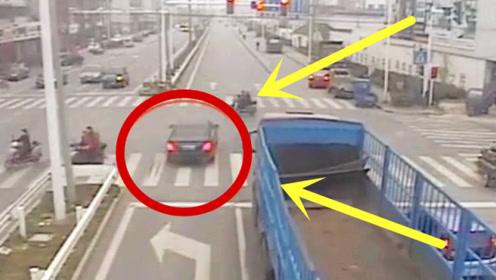 豪车抢红灯,下秒撞上电车男子,司机悔不当初!