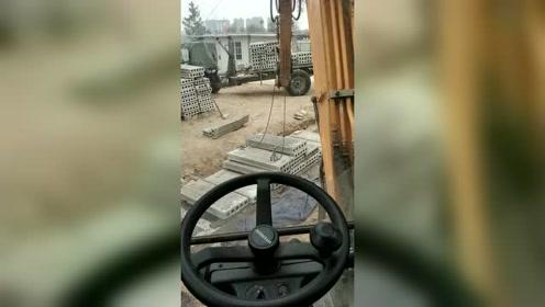 轮挖放吊车用