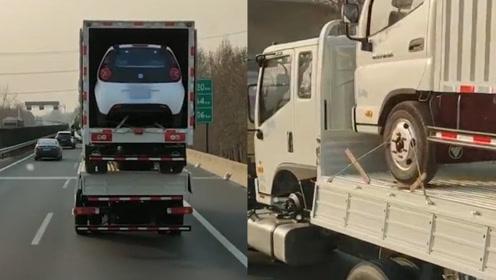"""高速路货车叠罗汉如""""俄罗斯套娃"""",80后网友一句感慨让人泪崩"""