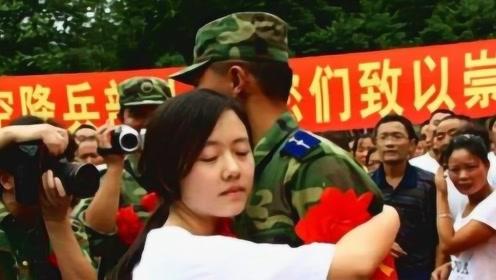 汶川地震中19岁军人救下12岁小女孩,答应10年后娶她!现在怎么了?