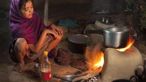 印度人为啥不在家里做饭,难道是外边凉快,看完后涨知识了