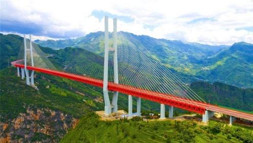 世界第一高桥,桥面至江面565.4米,相当于200层楼高