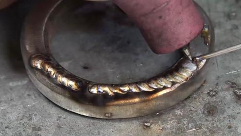 惊人的焊接工艺,还没看清就融合到一起了!