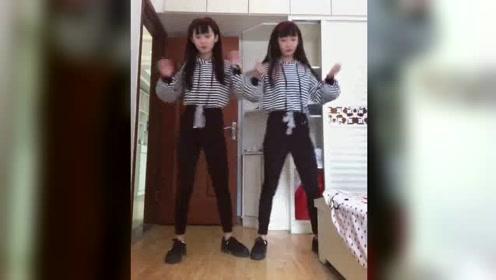 美女双胞胎家中劲舞,没想到最后却尴尬了