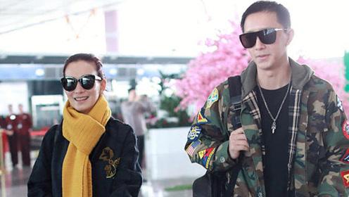 韩庚和女友卢靖姗现身机场,一路上卿卿我我好甜蜜!