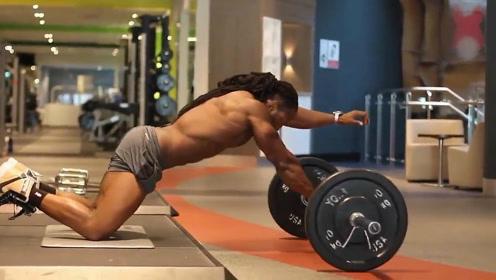 大X哥是怎么锻炼腹肌的!