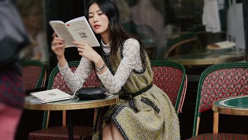 巴黎街角邂逅超模刘雯 午后咖啡享受闲适慵懒