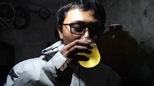 一杯昏暗地窖里土法炮制的葡萄酒,是格鲁吉亚人最纯粹的温暖