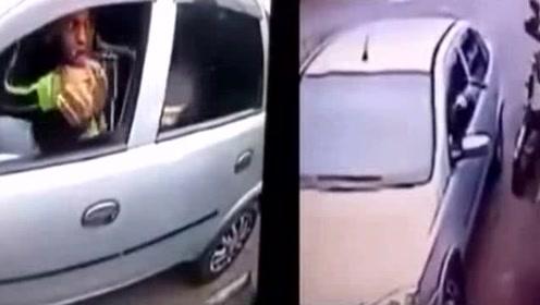 劫匪拦下汽车打劫,不料男司机是个狠角色惨了