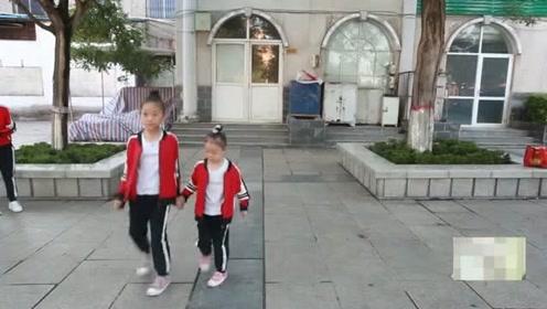 小姑娘教你跳鬼步舞!这节奏感是不是天生就有的啊