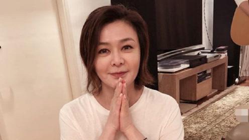 关之琳迎56岁生日,钟镇涛为冻龄女神庆生,自弹自唱交情匪浅