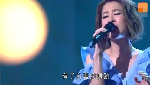 陈洁丽翻唱林忆莲的《至少还有你》经典的老歌,值得回味